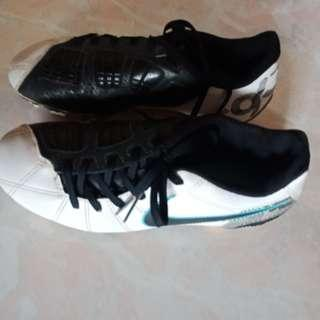 Nike Football Shoes Size 5