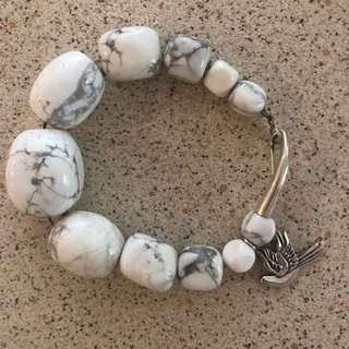 Palas Dove White Howlite Bracelet