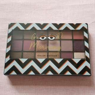 New In-Color Combos 18 In 1 Eyeshadow Palette (02 Galaxy)