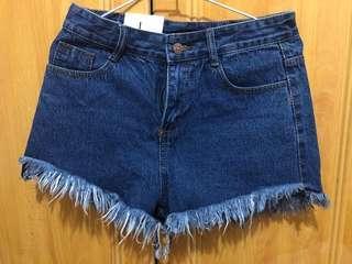 抽鬚牛仔短褲-全新