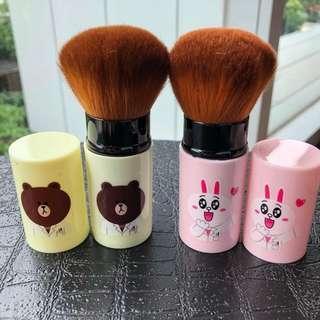 Christmas Gift 🎁 : LINE friends makeup brush