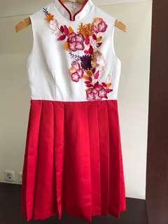 Laud redwhite dress