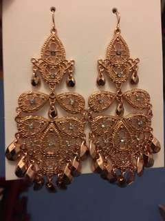 NEW COLLETE ROSE GOLD EARRINGS