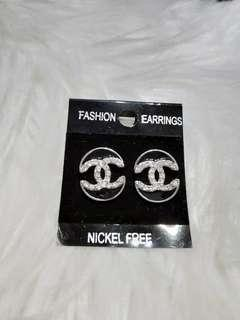 Brand new earrings Ear studs