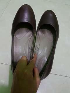 Brown Rockport Heels
