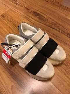 🚚 時尚品牌ZARA造型運動鞋