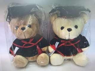 $150 = 1隻全新畢業熊公仔(白熊或啡熊)