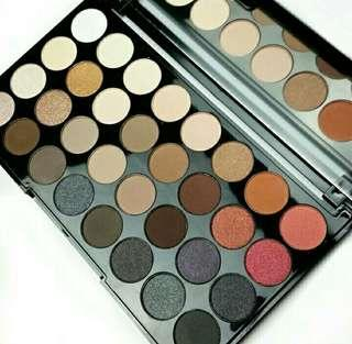AUTHENTIC Makeup Revolution Flawless 2