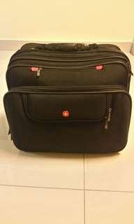 Swissgear Tissot Expandable hybrid bussiness cabin luggage black