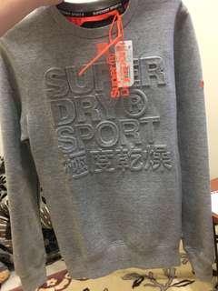 🚚 Superdry 大學 T 灰色 s號 全新 專櫃