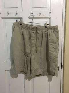 Khaki shorts (XL)