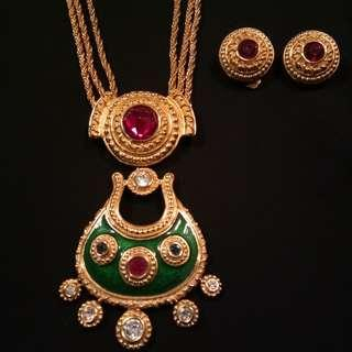 Pre-owned : Vintage Necklace and Earings