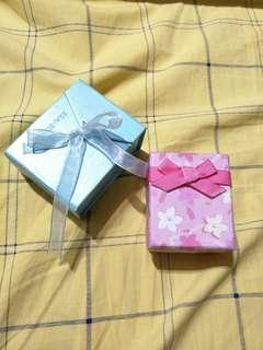9.9成新小物收納盒子 戒指項鏈盒 禮物盒