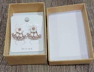 🚚 櫻花耳環 S925銀針 金色貝殼