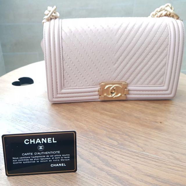 adaba49c09ca BNIB RARE Seasonal Limited Edition Dusty Pink Chanel Boy (Old Medium ...