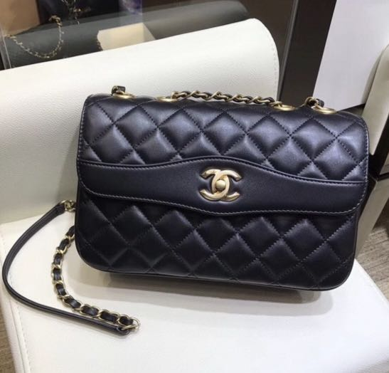 74c94d1dd3f824 Chanel Coco Vintage Flap Bag, Luxury, Bags & Wallets on Carousell