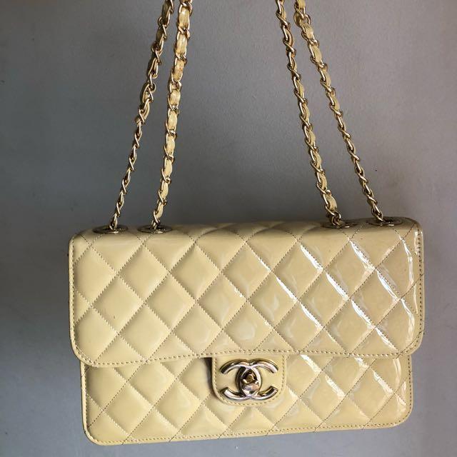 Cream Brand new Chanel Bag 23e351b00ab83