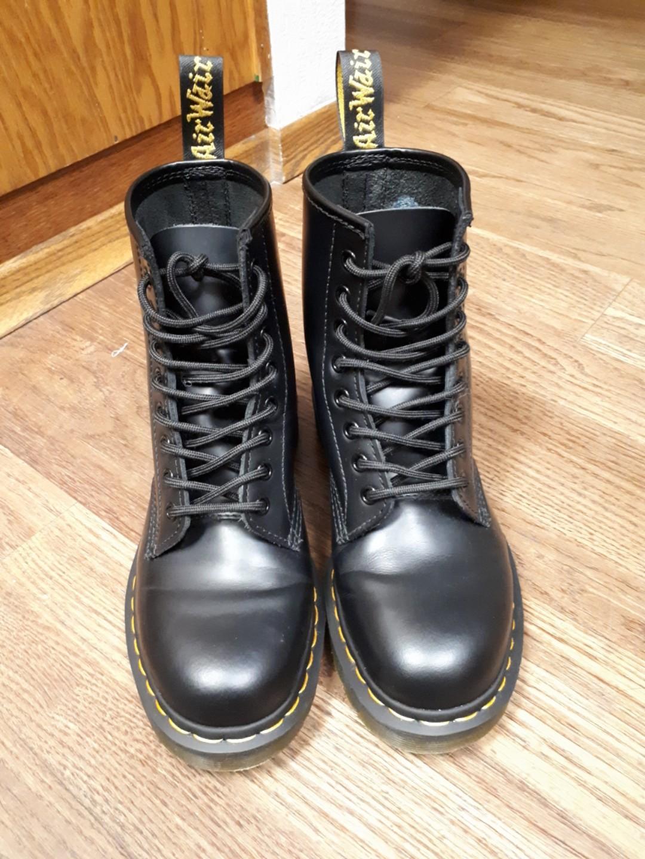 11339fd3a7ee Dr Martens original 1460 smooth 8 eyelets Boots Black