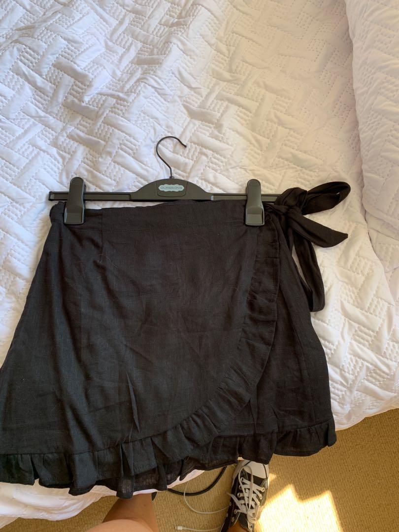 Glassons black wrap skirt