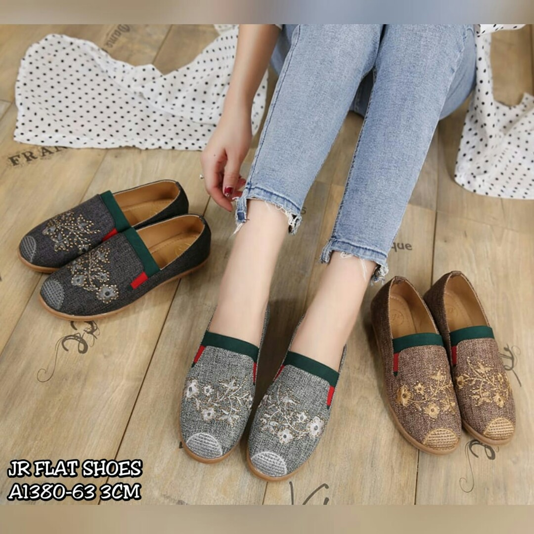 Sepatu import 83687ae3d6