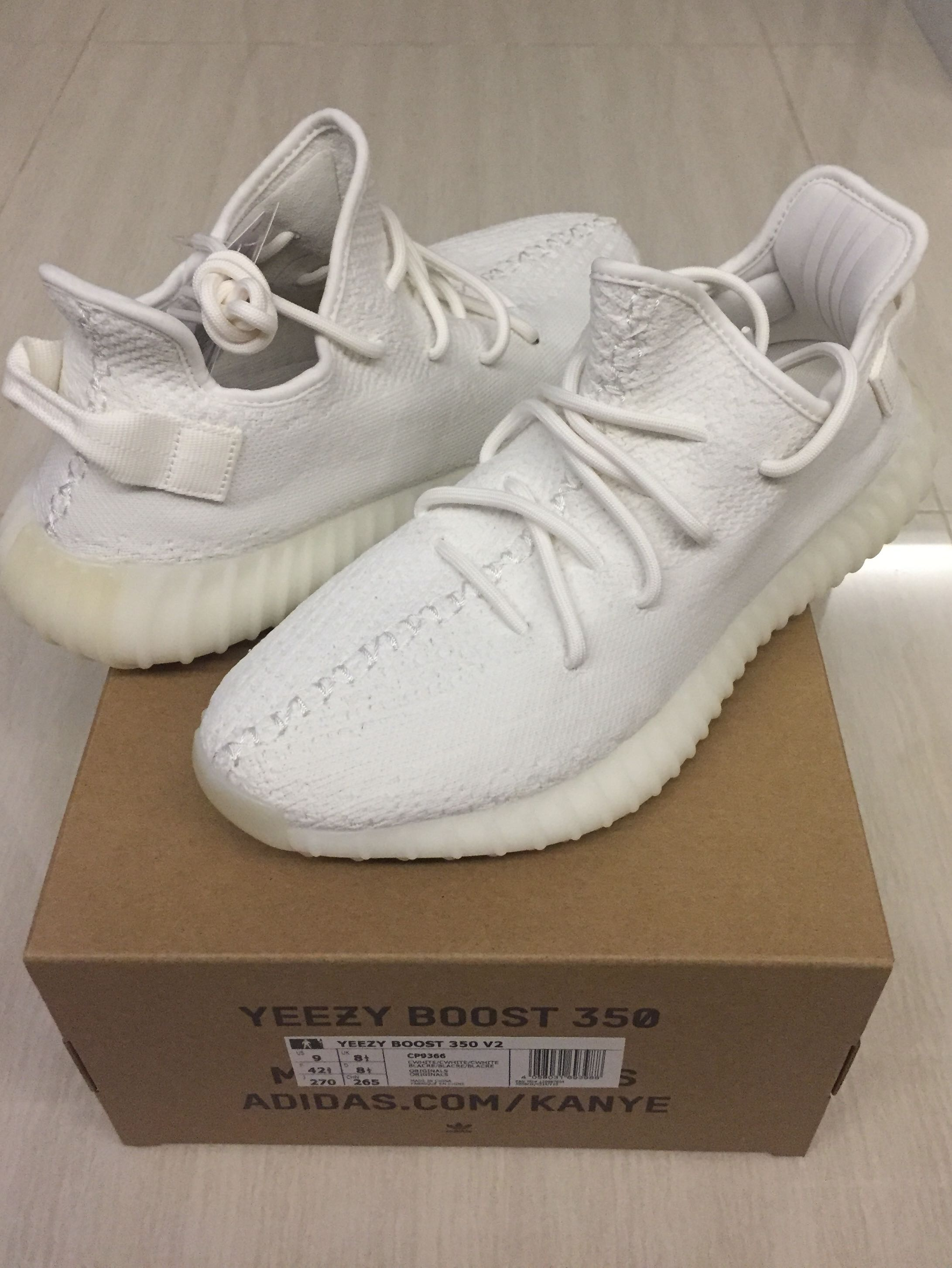 e0c92a31 Yeezy Boost 350 V2 Cream White US9, Men's Fashion, Footwear ...