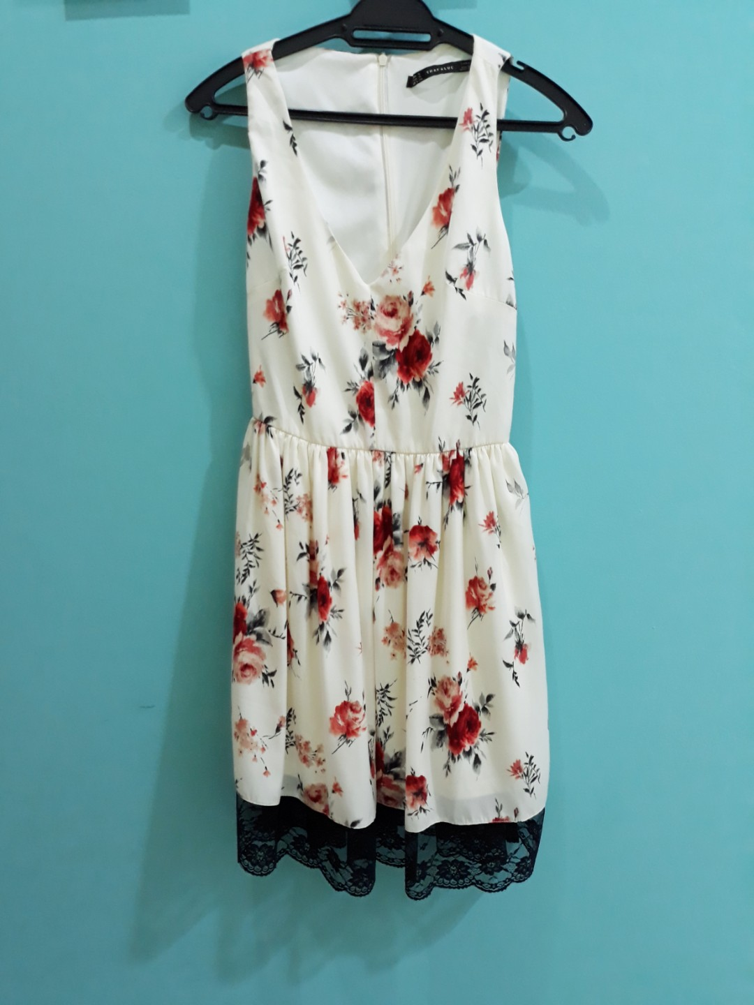 66d26448688a ZARA Floral Dress - off white, Women's Fashion, Clothes, Dresses on  Carousell