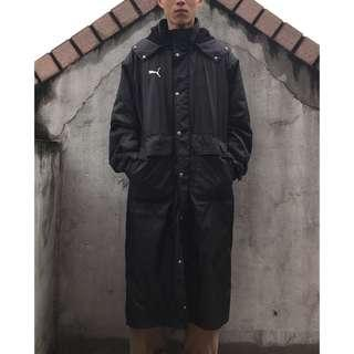 🚚 (帥帥帥)puma黑色大LOGO長版鋪棉外套