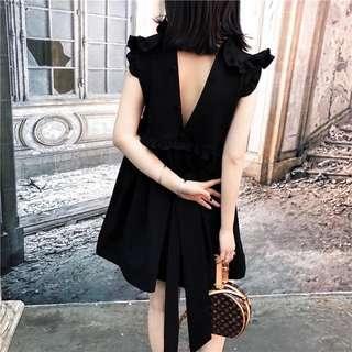 包順豐自取 購自日本 荷葉領木耳邊 露背 黑色連身裙
