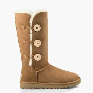 Brand new in Box Ugg Bailey Button Triplet - Size 8
