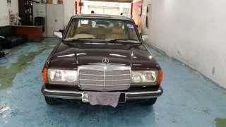 Mercedes Benz 230E (M)