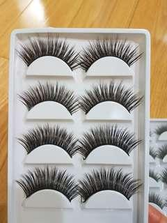 Long voluminous lashes