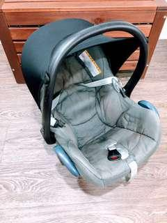 Well-Used MAXI COSI CABRIOFIX Infant Seat