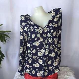 COTTON ON V-neck floral top