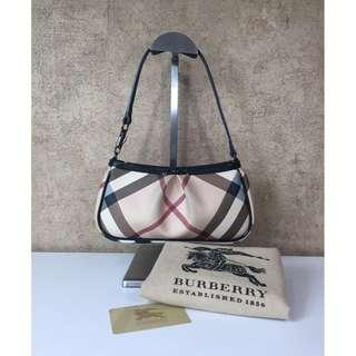 BURBERRY 3722993 PVC NOVA CHECK SHOULDER BAG