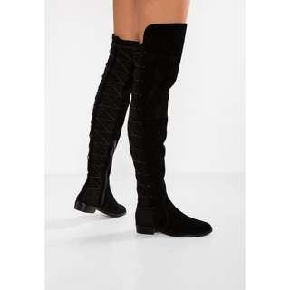 Sz 8 Vince Camuto Coatia Suede Black Boots