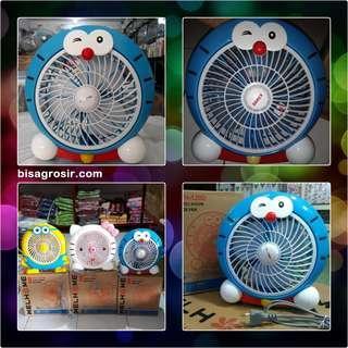 """Kipas Angin Mini Karakter Doraemon / Mini Desk Fan 10"""" Welhome WH 120D"""