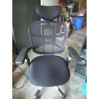 【尚典中古二手家具】中古電腦椅(二手電腦椅)透氣人體工學電腦椅