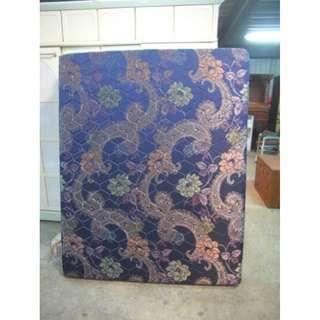 【尚典中古二手家具】中古5呎床墊(二手床墊)深藍色5呎傳統床墊