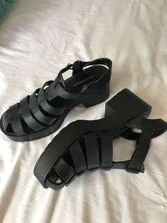 Black Windsor Smith's