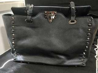 Bag of parody Valentino style black tote