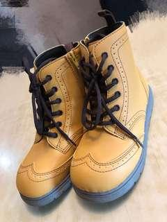 Boots for kids from Japan