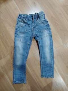 H&M jeans 5yo