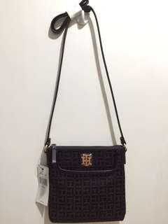SALE!TOMMY HILFIGER CROSS BODY BAG