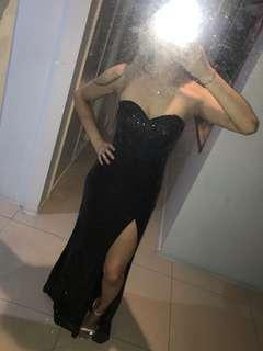 Brand New Showpo evening gown Sz 8