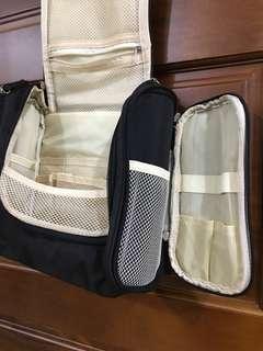 🚚 出國必備的收納包