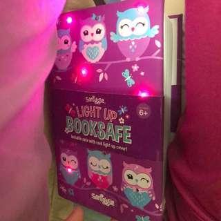 Smiggle Booksafe Owl With Light