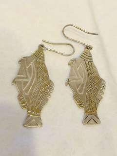 純銀魚型耳環