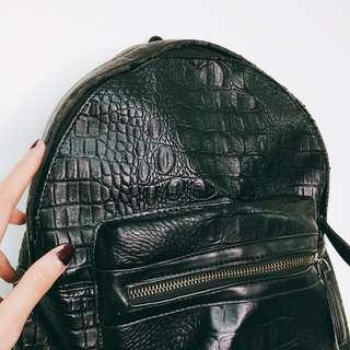 🔥9成新🔥鱷魚皮中小型後背包