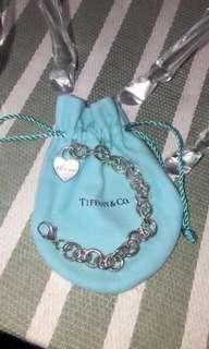 """Tiffany's Link Chain Bracelet with """"I love you"""" 3D heart"""
