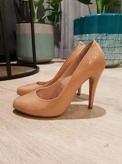 Tony Bianco Glossy Tan Heels Size 6